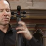 Cellist Reynard Rott auf Ricci Carbon Cello